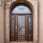 A traditional estate style front entry.