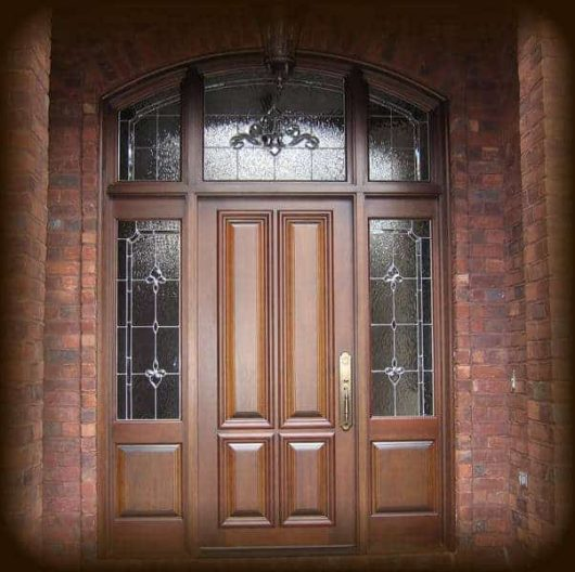 A traditional estate style entrance.