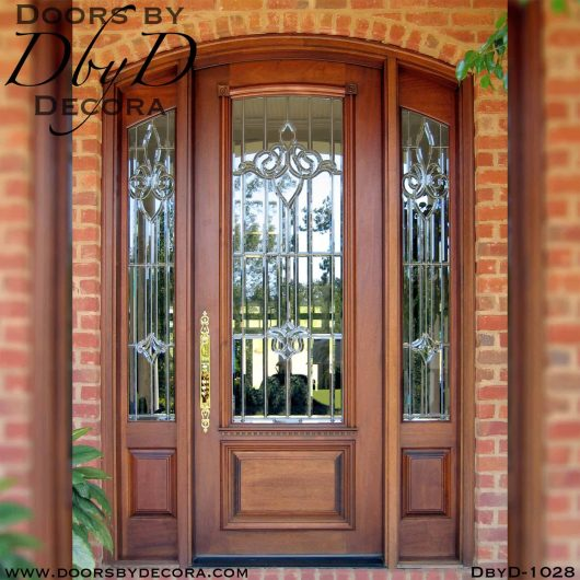 leaded glass door and sidelites entry